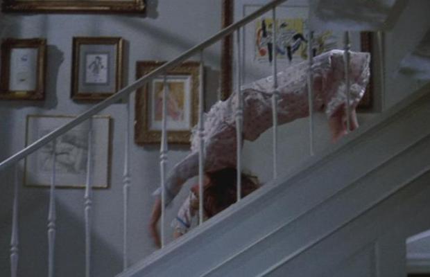 Série O Exorcista recria cena icônica do filme - Medologia